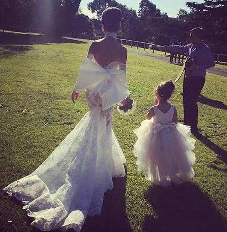Completa Lace Wedding Dresses Praia Off The Shoulder mangas compridas Vestido de Noiva Sereia Applique Sexy Back vestidos de noiva Robe De Mariee
