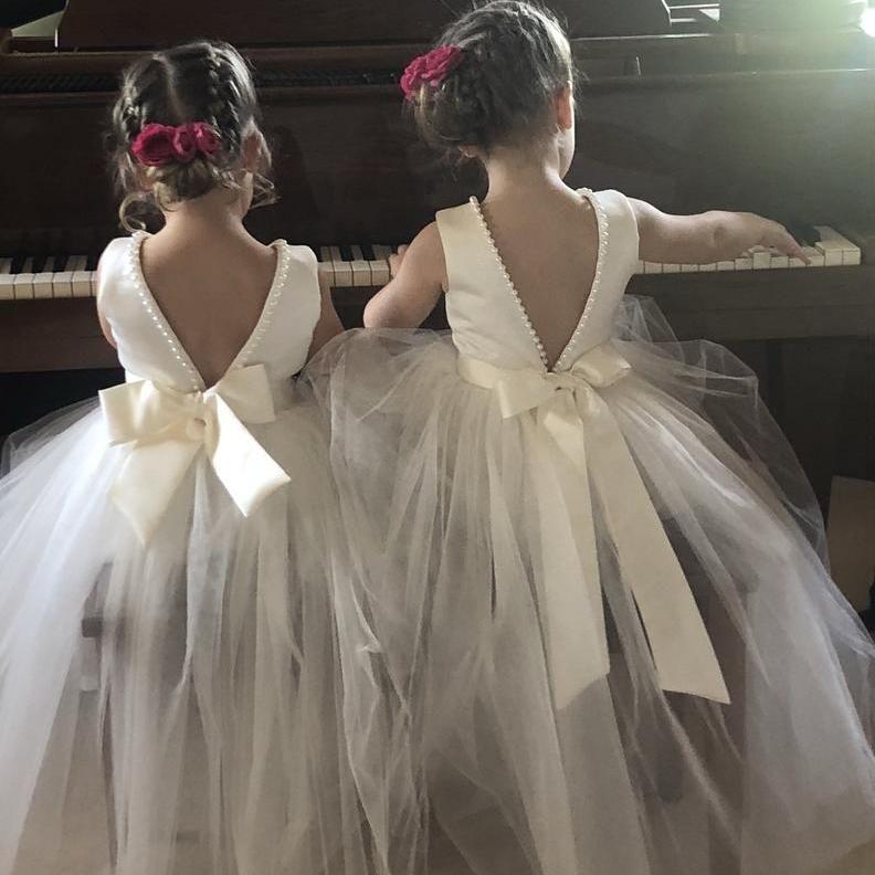 Vestido de fiesta sin mangas de 2020 perlas Vestidos para niñas de flores con espalda abierta Vestidos de fiesta para niñas con lazo blanco para el cumpleaños