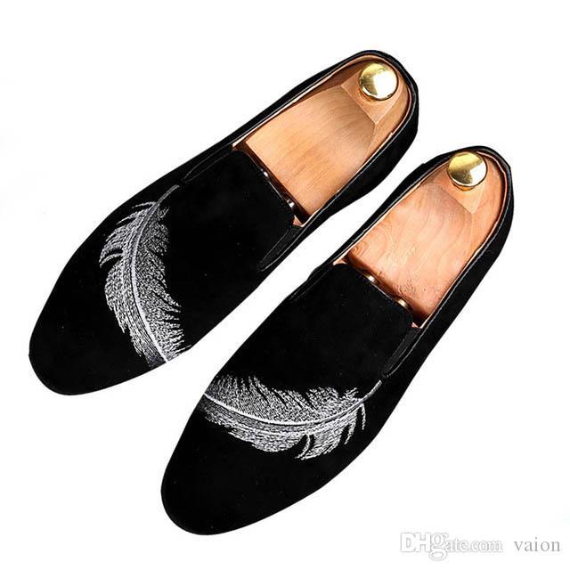 2019 erkek sivri Tüy nakış flats ayakkabı Homecoming Elbise deri İtalya Adam Düğün resmi Gommino Ayakkabı zapatos hombre