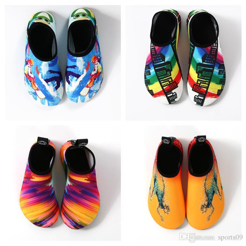 Zapatos Hombres Mujeres yoga de la aptitud de conducción de agua zapatos de los niños calcetines antideslizante salto del calcetín de deportes acuáticos de la playa de calcetines para niños Con Surfing