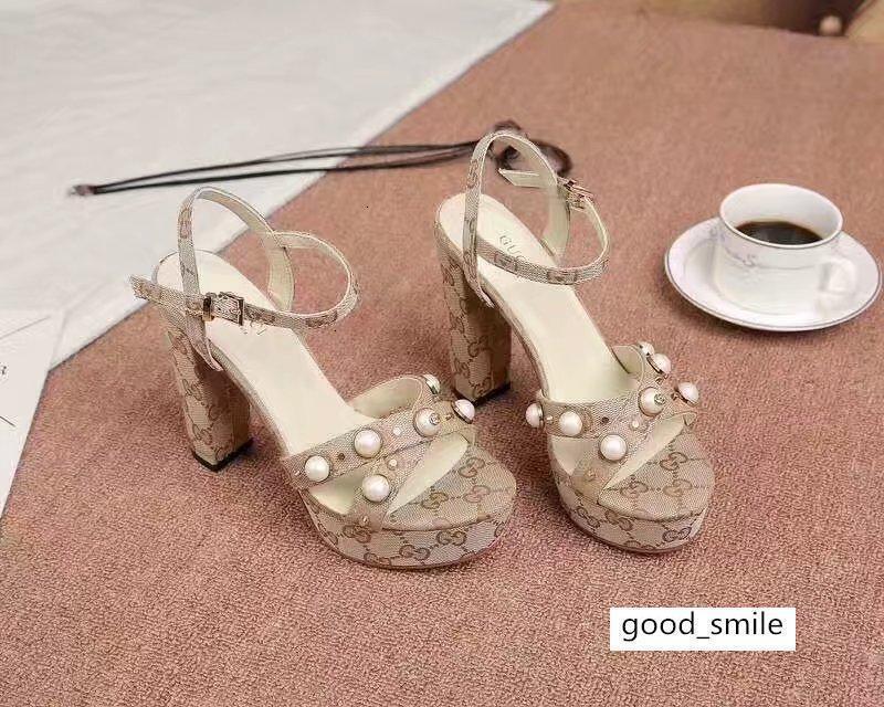 Luxury Letter Заклепки Pearl насоса на высоких каблуках Холст Кожа Женщина 10см Толстый каблук сандалии платье туфли с коробкой