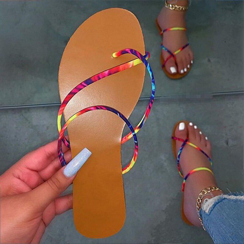Donna Flip Flops Femminile pantofole signore 2020 Croce piana di modo delle donne di estate della spiaggia Scarpe Donna limitare Formato della fascia diapositive più