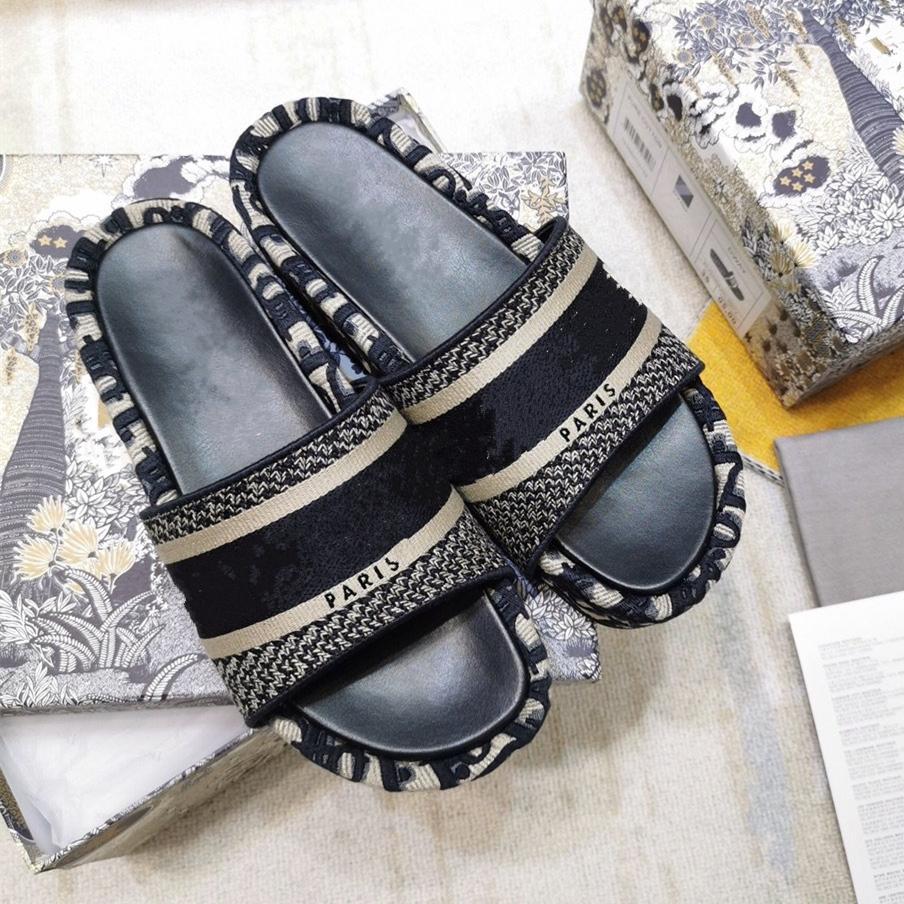 Heel azul Oblique bordado Cotton Platform Mules 5cm Wedge Sandals Oblique Jacquard couro real Luxo Mulheres desenhista calça tradingbear