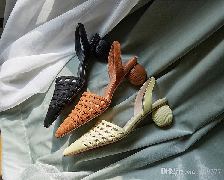 Luxuxweinlese Sexy Frauen Abnormal Absatz-Sandelholz-Cut-Outs echte Leder-Partei-Hochzeitskleid Schuhe Designer-Mode Straße Photo Sandalen