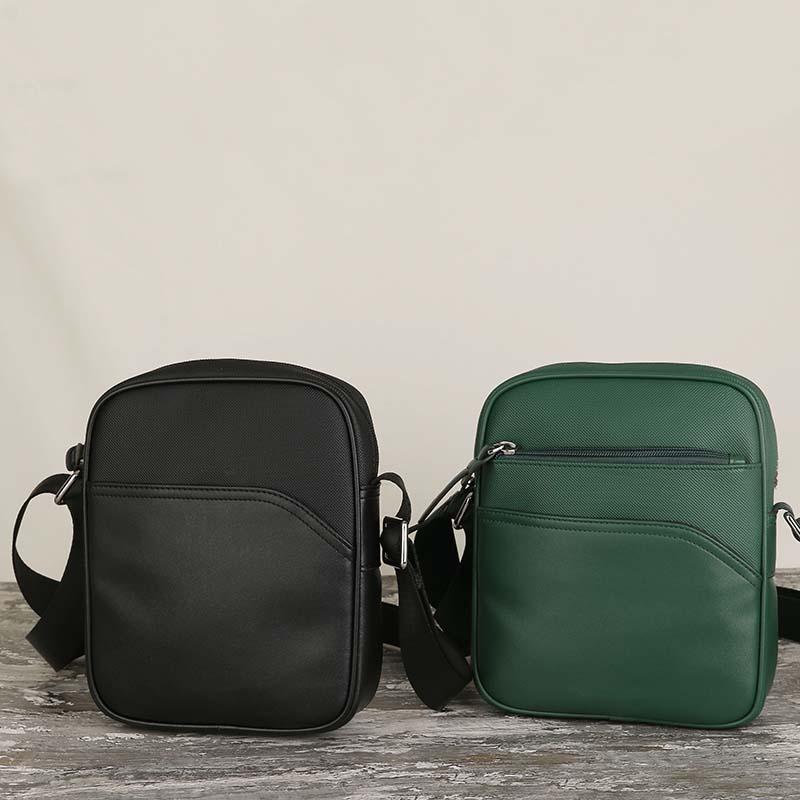 Diseñador-Code 808 cuero auténtico y PVC Hombres bolsa de mensajero del famoso hombre de la manera Marca de hombro bolsa de diseñador masculino Cross Body Bags alta calidad