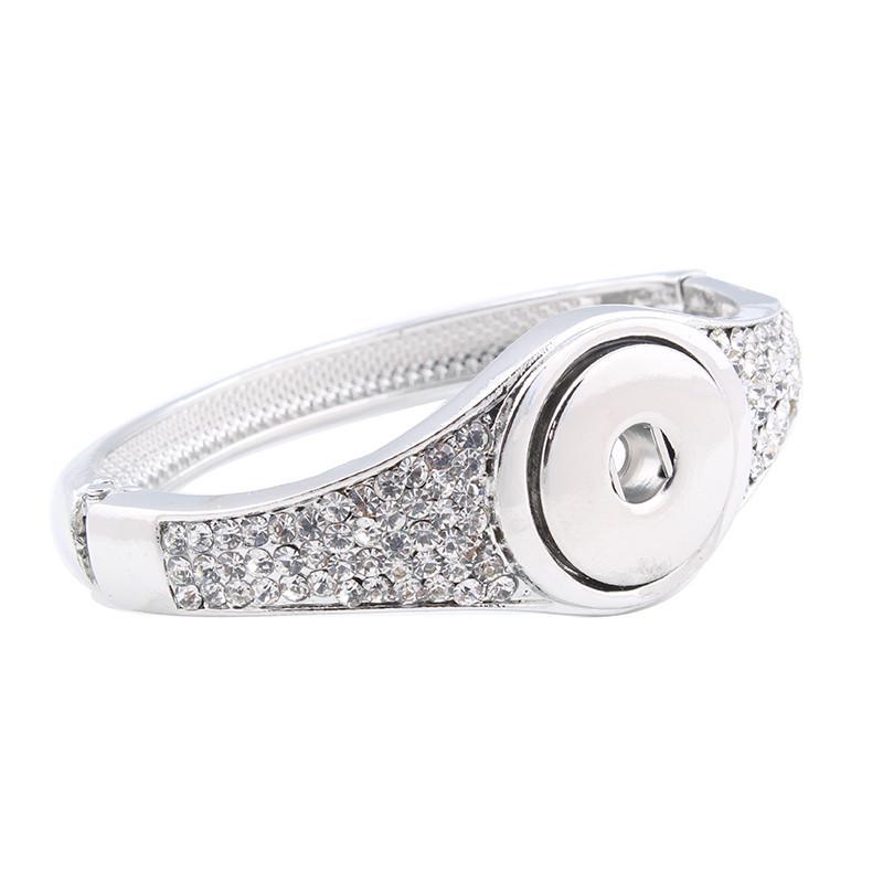Lo nuevo Snap BraceletBangles de Alta Calidad de Cristal Blanco Charms Pulseras Para Mujeres Fit 18mm Xinnver Snaps Botón Joyería ZE221