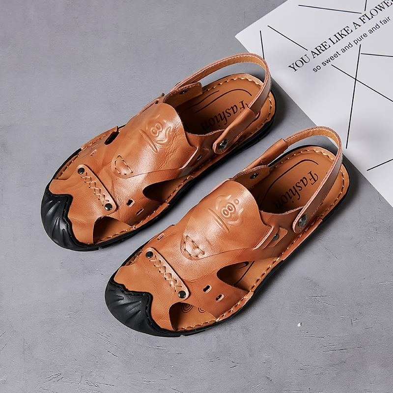 Chinelos oco novos masculinos sapatos de couro genuíno Homens Sandálias do verão sapatos de praia Sandals Men Moda exterior Casual