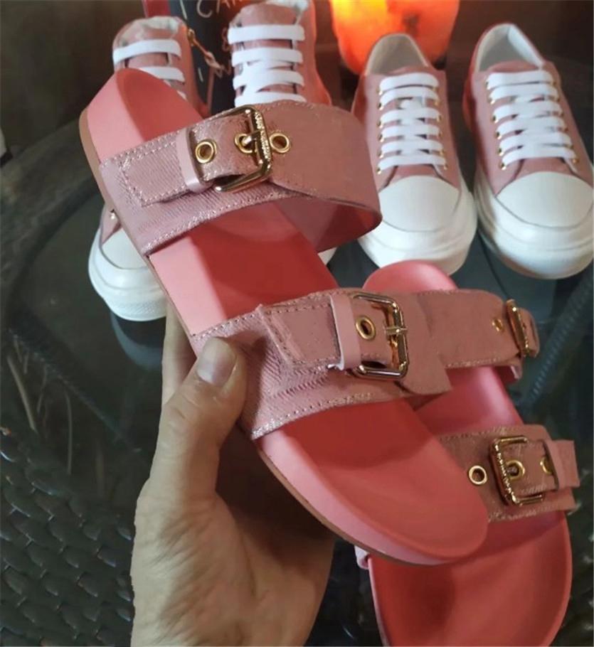 New Luxury sandali da donna Fashion Designer Stampa Flip Flop Summer Classics Scarpe Flats sandali della spiaggia CFY2002271 # 56 *