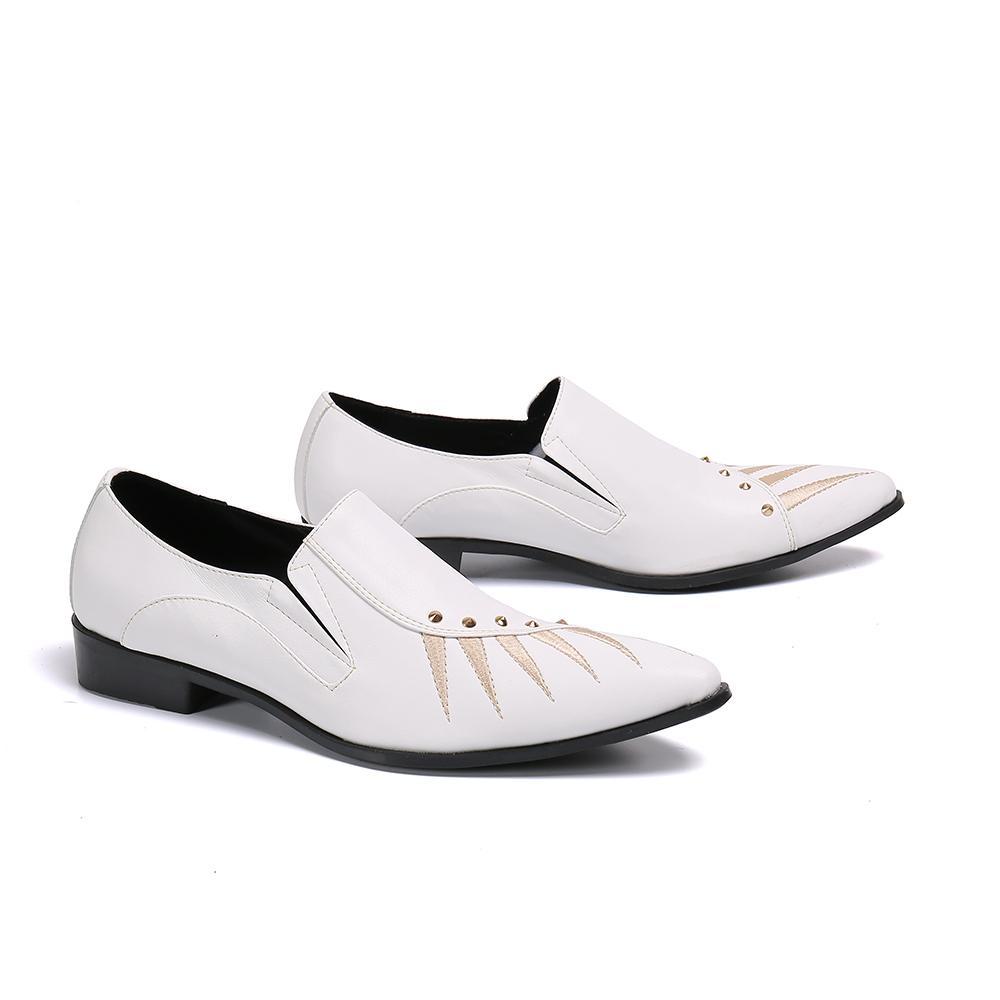 Новый ручной работы Белый натуральной кожи Мужская обувь Toe Заклепки Остроконечные партии Человек платье обувь Скольжение на бизнес полуботинок Кожаная обувь