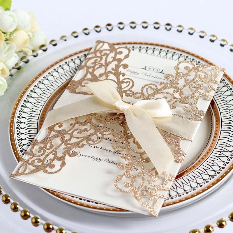 Decoração de Festa de Casamento Envelope Cartão Convites 25pcs Laser Cut Rose Gold Glitter casamento de papel personalizado para impressão com fita
