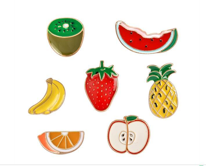 2019 nova moda colorido esmalte broches de frutas mulheres apple banana abacaxi morango melancia pinos dos desenhos animados crachá para crianças
