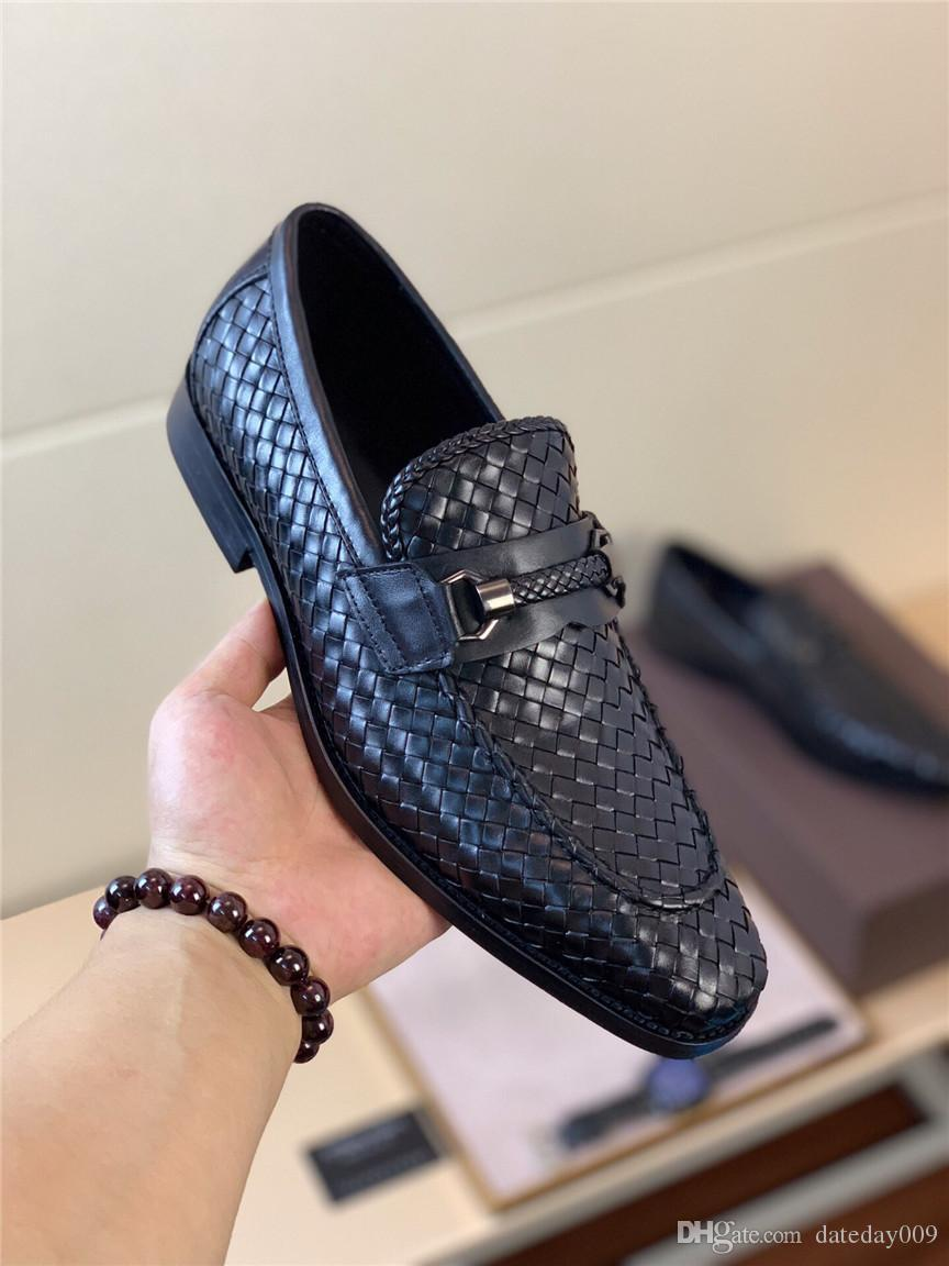 2019 New Design Fashion Men Casual Leather Shoes for Men Pointed toe Dress Shoes Male Formal Wedding Oxfords Shoes DATEDAY