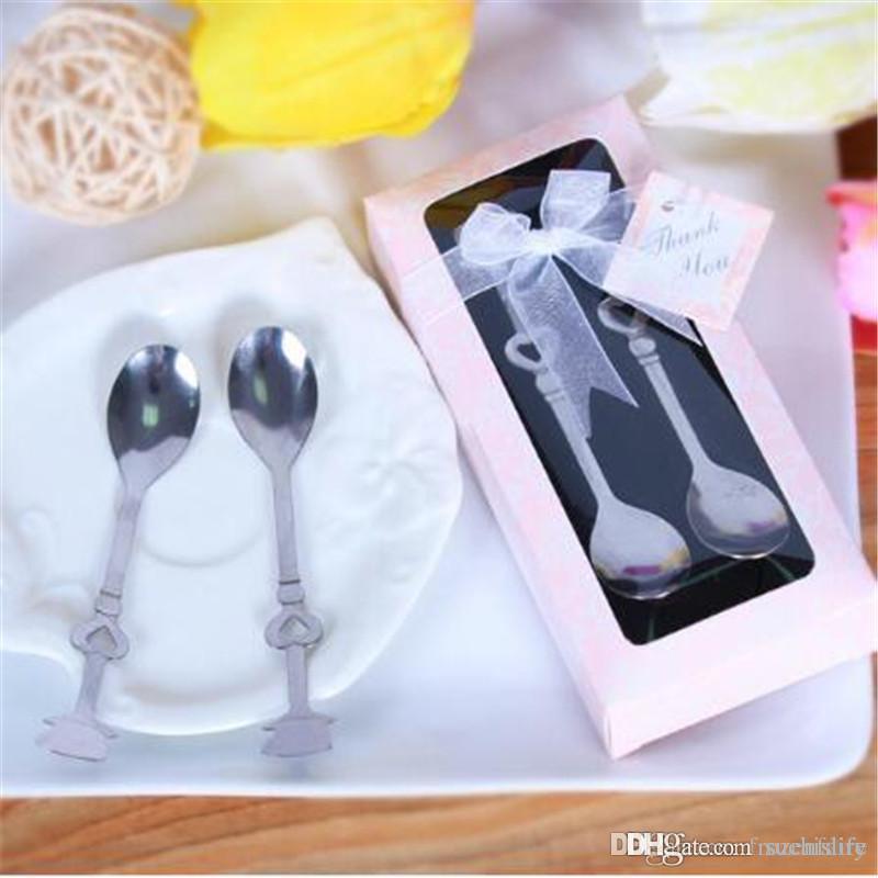 Livraison gratuite 20set / lot mince 2 en1 Teatime Favors mariage amour au-delà de coeur mesurer cuillères à mesurer en cadeau / cuillère à café
