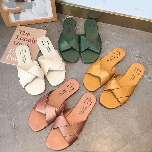 Toppies 2020 Slipper Donna Estate coreano esterni scarpe piane pattini inferiori sandali della spiaggia