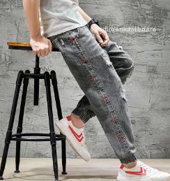 Çoklu Cep Fermuar Fly Jean Erkek Giyim Erkek Tasarımcı Ripped Delikler Jeans Gevşek Distrressed Denim Pantolon Fit