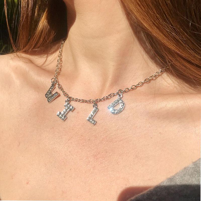 Mode pendentif en cristal lettres Collier pour femmes BIJOUTERIE nom personnalisé Colliers numéros personnalisés zircons Nameplate cadeau