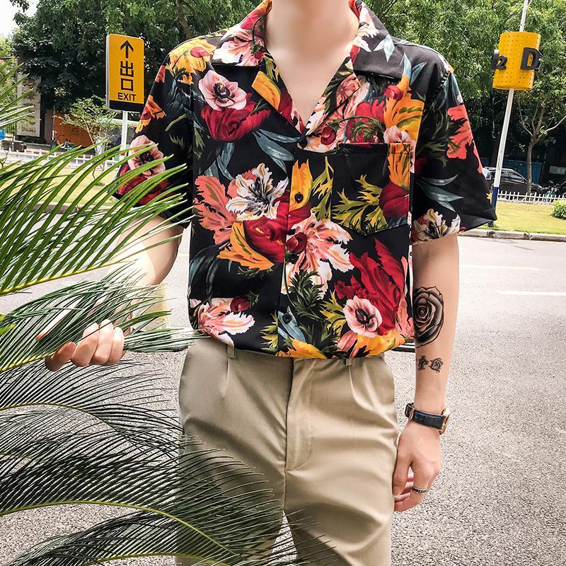 Vintage vacances hawaïenne Flower Shirts pour hommes manches courtes loose coréenne rétro chemises d'été Hommes Mode 2020 Robe jaune imprimé