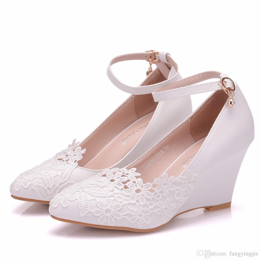 Crystal Queen Womens Wedding Shoes Bride Bridesmaid Dress Shoes 8cm Wedges High HELLSs White Lace Shoes Flower Female Pumps