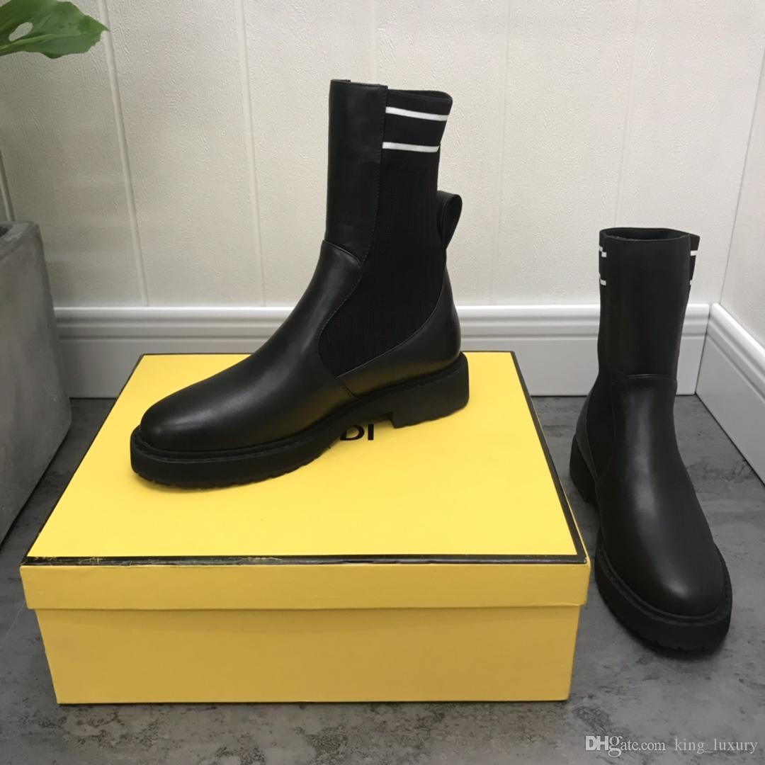 جديد أحذية أحدث المرأة الكلاسيكية مارتن الأحذية الجلدية أزياء سلسلة برشام الفاخرة عالية الجودة مربع منصة الكاحل النساء الفاخرة التمهيد لينة 35-40