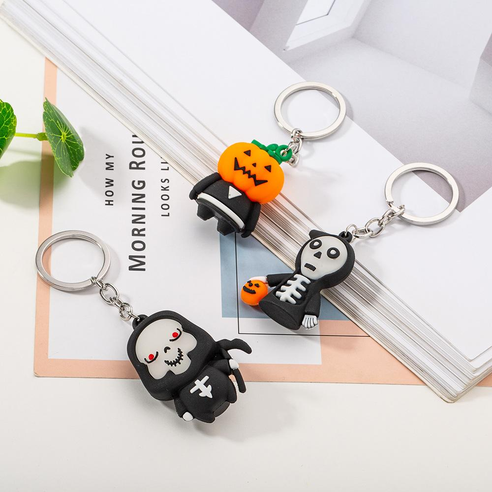 5pcs / lot Art und Weise neu Halloween Keychain Silikon-Sensenmann Geist-Kürbis Schlüsselanhänger Dekoration kreative Schlüsselanhänger Geschenk Souvenirs