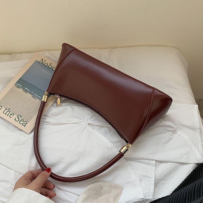 Solid Color Кожа PU сумки для женщин 2020 сумки на ремне Женщины малого Элегантный Тотализаторов Lady Handbag Luxury Hand Bag T200605