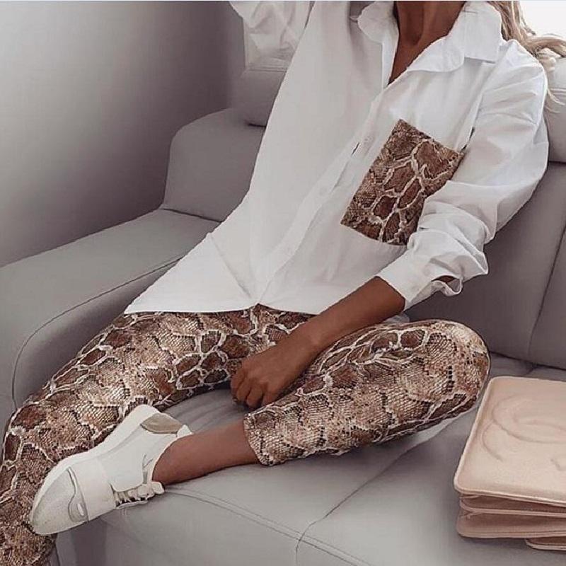 das mulheres ocasionais da forma leopardo emendados terno branco da camisa e do leopardo calças skinny 2 peças conjunto de maré roupa chique