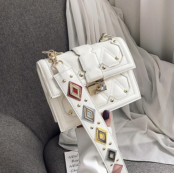 Factory wholesale women handbag western-style girl contrast messenger bag classic embroidered line diamond shoulder bag fashion lock handbag
