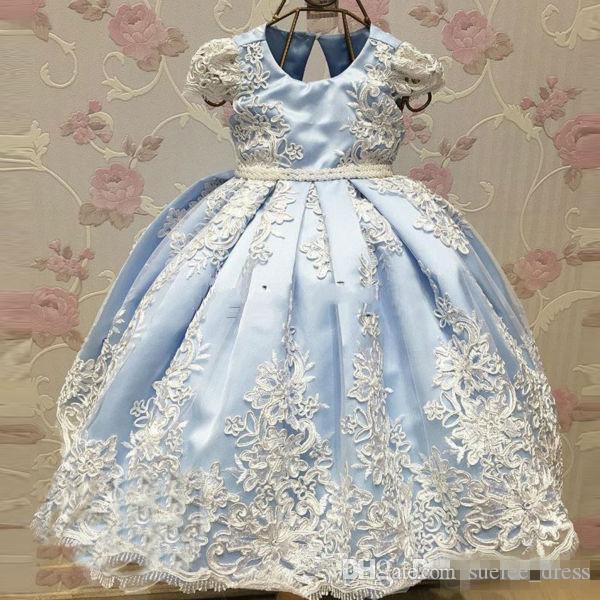 밝은 파란색 덮힌 소매 꽃 여자 드레스 새틴 빈티지 레이스 애플리에 큰 활 어린 소녀 아이 첫 번째 친교 미인트 드레스