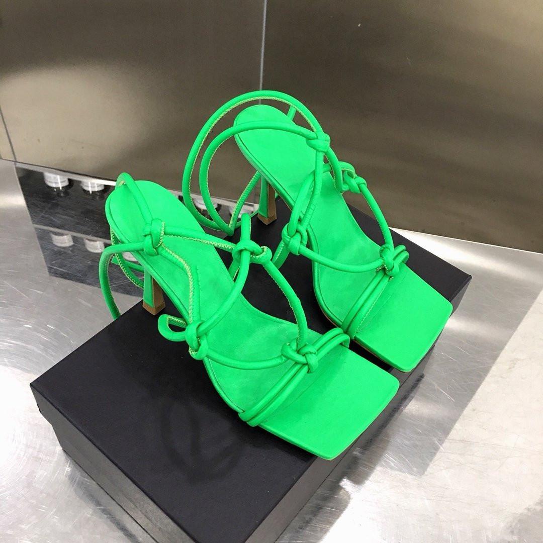 2020 Nueva alta calidad superior de la moda y de alta calidad en las sandalias de las mujeres altos estación europea de la moda con estilos clásico caliente