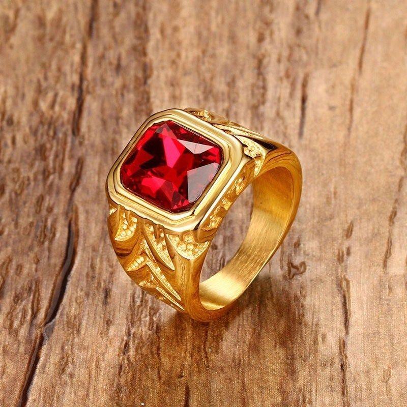 Hombre Fuego Red Cubic Zirconia Anillos de cristal para Hombres Tono Oro Tono Acero Inoxidable Grabado Hombre Hip-Hop Jewelry