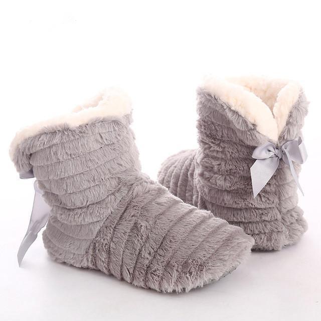 Les femmes en fourrure Pantoufles Noeud papillon d'hiver en peluche garder au chaud intérieur Chaussons Femmes en caoutchouc Chaussures maison confortable pour les filles antidérapage