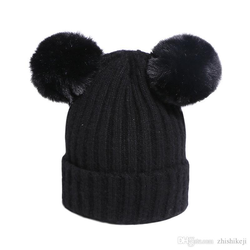 2020 Nuevo diseño de doble casquillo de la bola de pelo de chicas muchachos mantener caliente de los sombreros casual de invierno de punto bola de pelo Sombreros de aire libre de envío de 6 colores Elegir