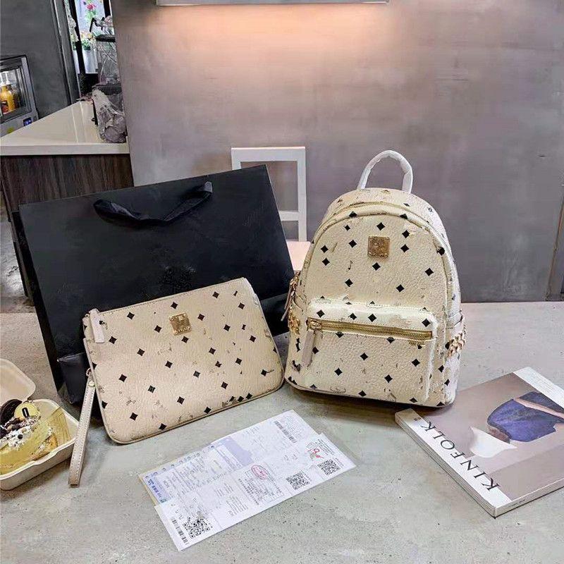 New Side Rivets Backpack Fashion Large Capacity Travel Bag Handbag. Both Men and Women School Bags for Teenage Girls Luxury Women Handbags