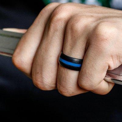 Anillo de banda deporte 5Colors flexible dobles de color anillos de bodas de silicona de 8 mm para las mujeres de los hombres ajuste cómodo lightweigh anillo barato al por mayor de