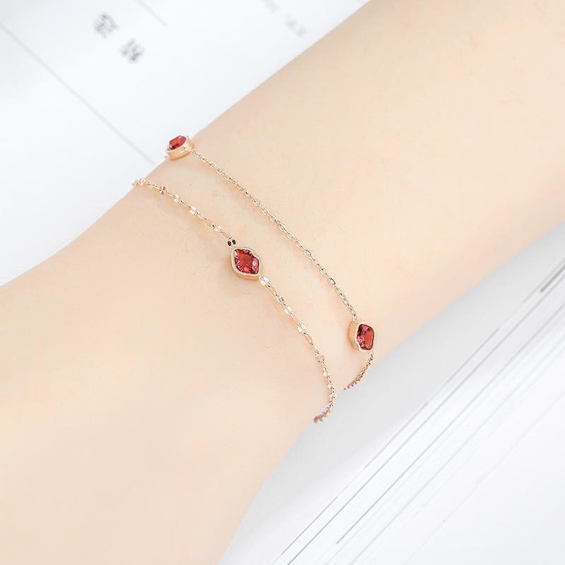 Clioro Frauen Titan Stahl geometrischer Diamant-verkrustete Lippe Armband eingelegt Verzierungen
