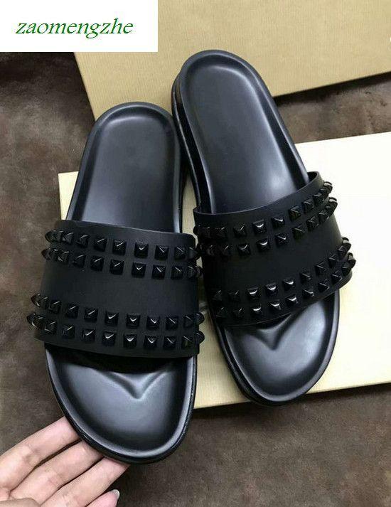 Donna Studded Flat Shoes Designer salgueiro unhas inferior macia chinelos de borracha homens boxs Rivet Spikes planas slipperswith
