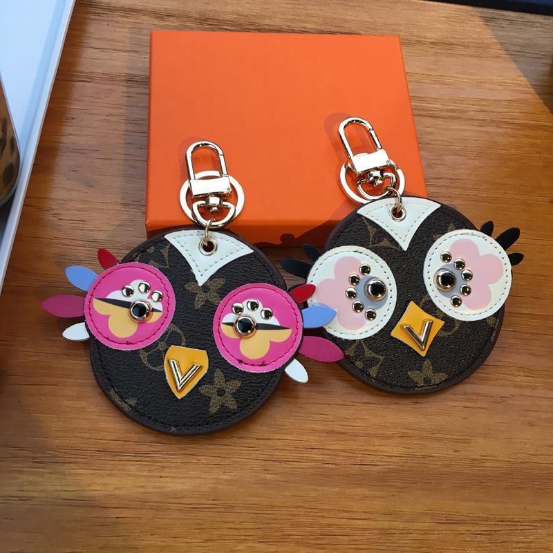 Nova chave de cadeia de anel marca bonito coruja design pintinho encantos mini pu chaves de carro titular moda jóias pingente saco keychain acessórios