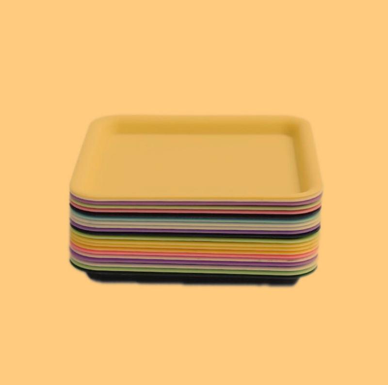 Quadrado colorido plástico portátil mini preroll roll roll rolo de bandeja de cigarro seco erva tabaco moedor fumar placa quente DHL