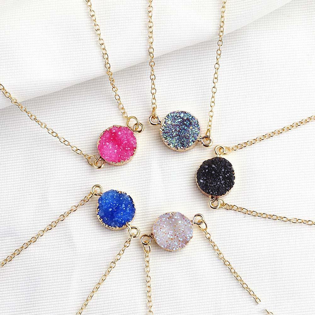 Nuevo diseño resina de piedra druzy Collares 5 colores piedra colgante de collar Geometría chapado en oro para joyería de moda elegante muchachas de las mujeres