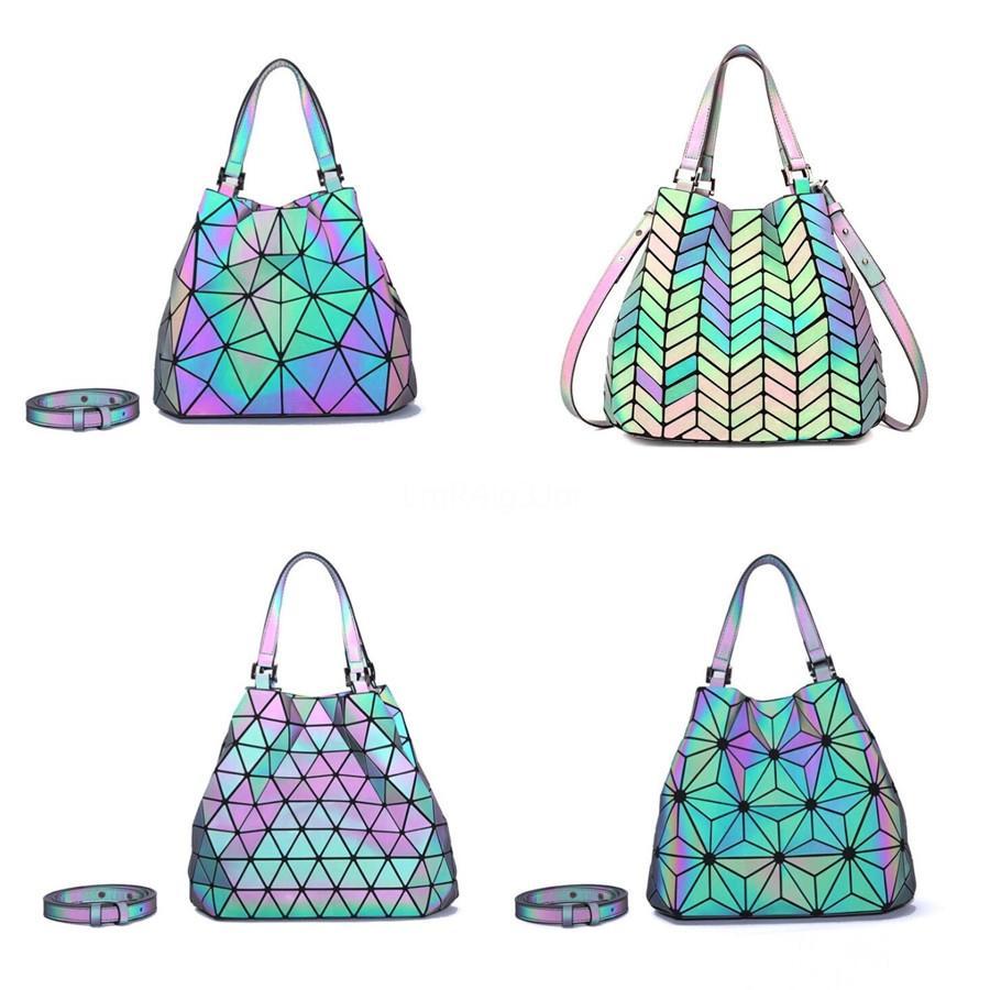Дизайнер-Черный гофрированный сумки конструктора сумка Pu Luminous Мода дизайнерские сумки женщины Известные торговые марки сумки на ремне высокого Qualit # 277
