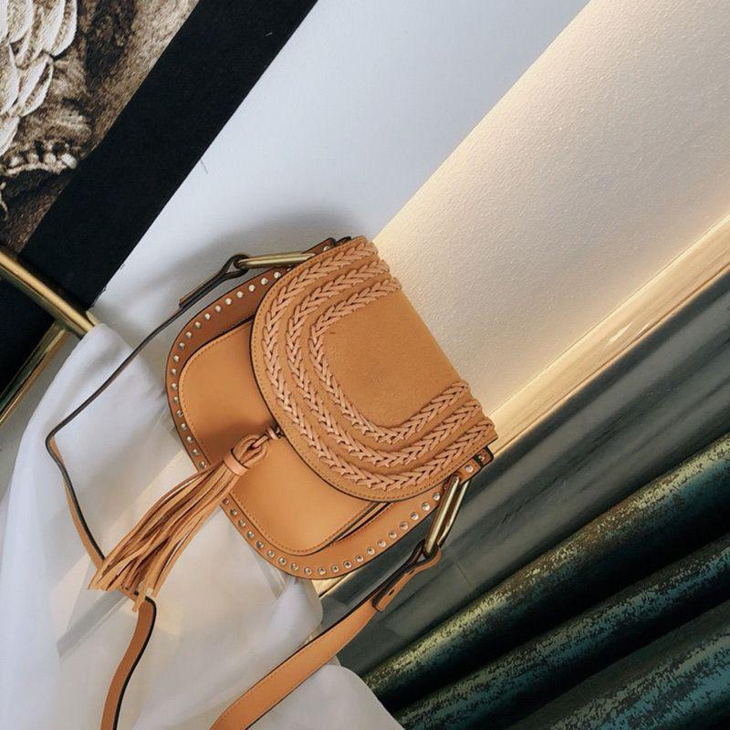 Vintage gewebtes Satteltasche Frauen Handgeldbörsen Wildleder und Geflochtene Rindlederniet Troddeldekoration arretieren einzelne Schulter Umhängetasche