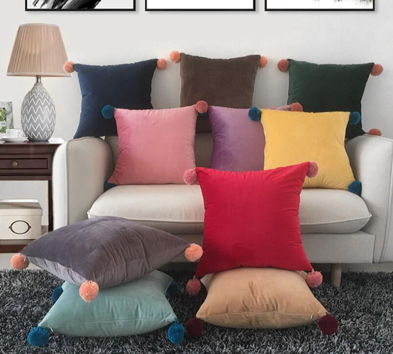 ZENGIA Set of 2 Finel Square Decorative Throw Pillow Cover Outdoor Soft Velvet Cushion Cover with Balls for Sofa Decor 45x45cm