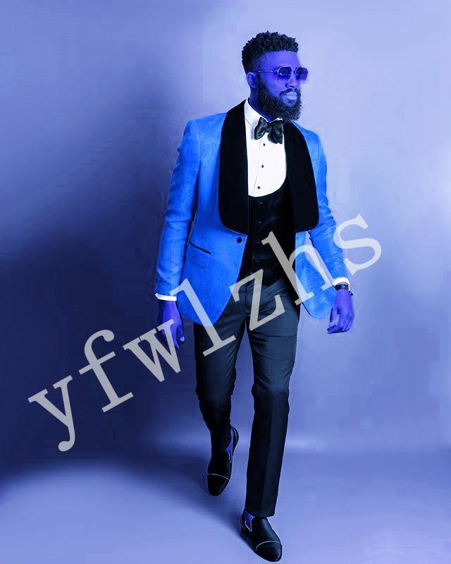 La nueva llegada con un solo botón Trajes de los padrinos Mantón solapa del novio esmoquin hombres de la boda / Prom mejor hombre Blazer (chaqueta + pantalones + chaleco + Tie) B103