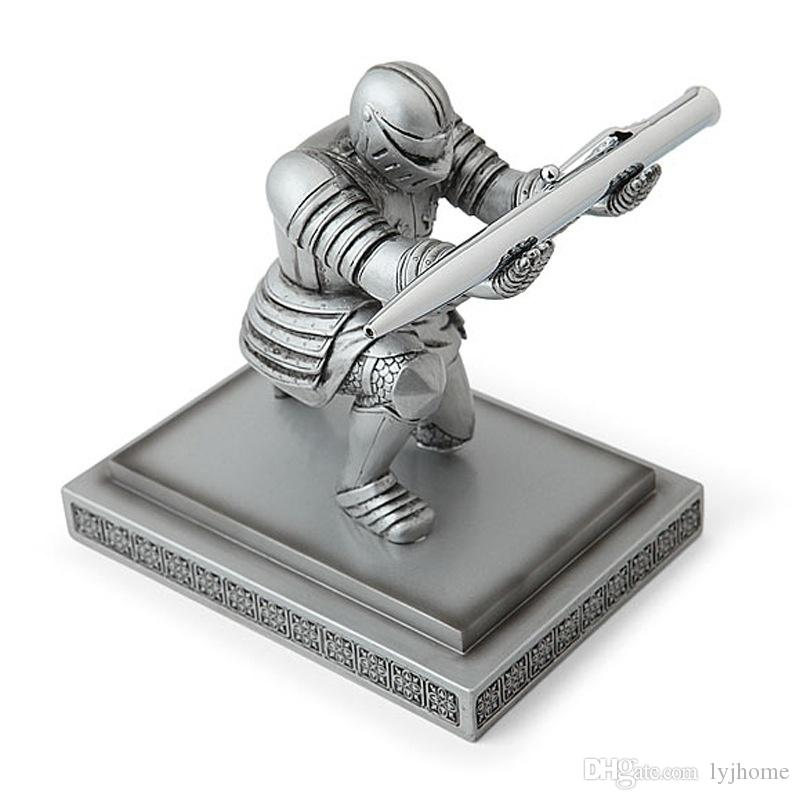 Ejecutivo Knight Pen Holder Home Office Decor Figurines Miniaturas Artesanía para regalos