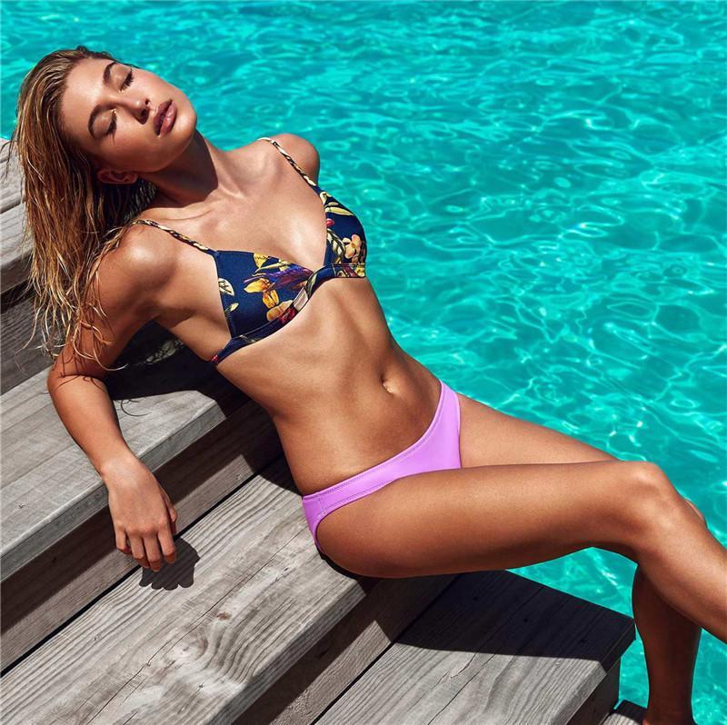 Sexy Frauen-Bikini-Sets Blumendrucken Frauen-Verband-Badebekleidung Bodycon Padded Badeanzug Bademode Sonnenschein-Sommer