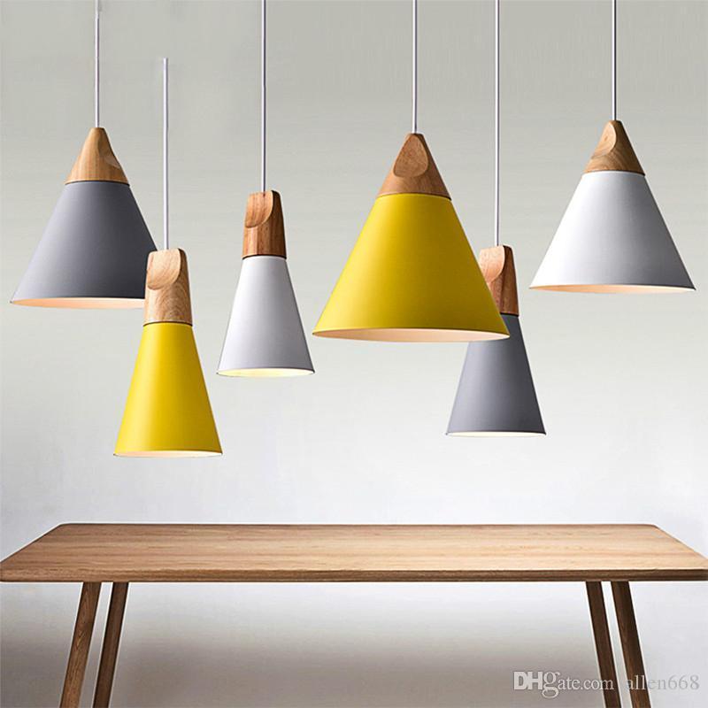أضواء قلادة غرفة الطعام الحديثة قلادة مصابيح E27 حامل مطعم ملون الإضاءة القهوة نوم الحديد + الخشب الصلب