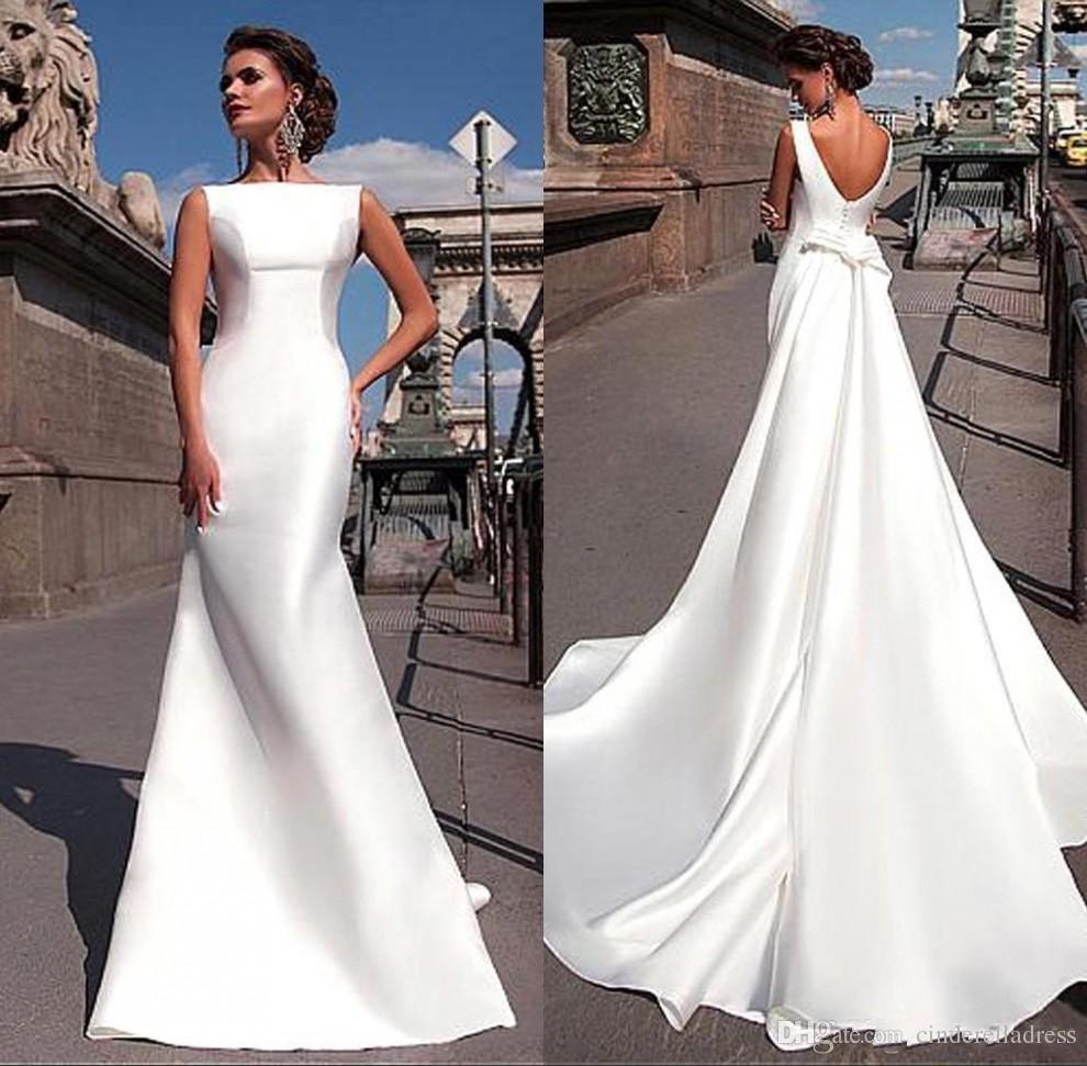 2019 Tamaño más vestidos de boda blanco barato de raso con el tren largo sin espalda Vestidos de novia Vestidos de novia drapeado BA6691