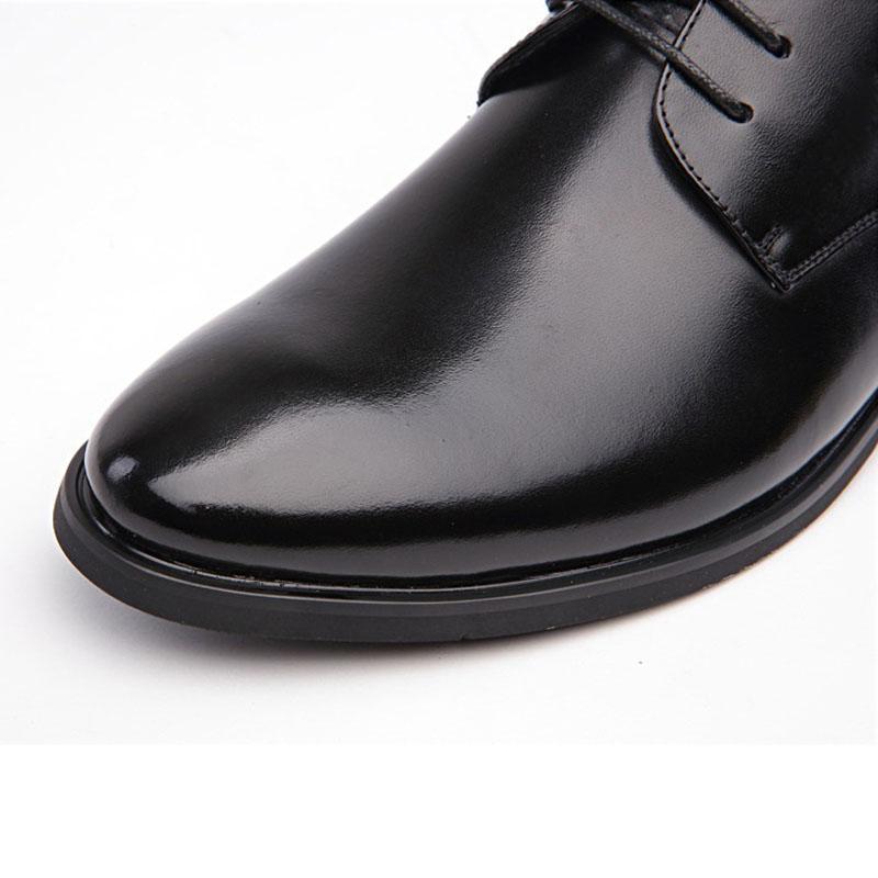 Heiße Verkauf-neue Mann-Kleid-Schuh-Leder mit Pelz-Schuh-Mann beiläufiger Winter schnüren sich oben spitze Zehe Oxford beiläufige Hochzeits-formale Ebene