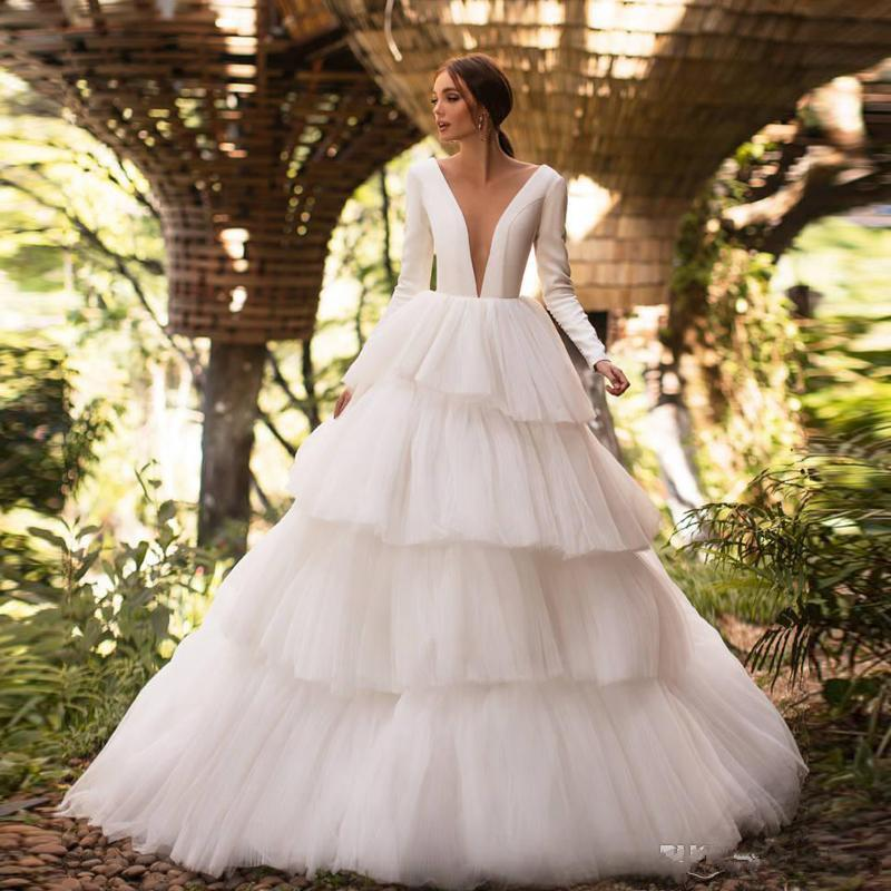 Modern Layered Ball Gown Wedding Dresses Illusion Back Long Sleeve Tiered Skirt Garden Bridal Dress Custom Made Tulle robes de mariée