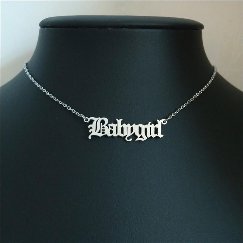 Cadeia Colar velho do bebé de Inglês Carta Babygirl pingentes colares Aço Inoxidável Presente de aniversário Gargantilha da jóia namorada